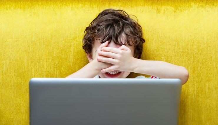 کنترل فرزندان در اینترنت: ۱۰ قانونی که لازم است بپذیرند