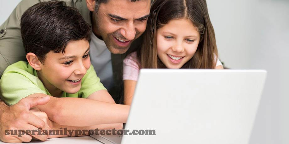 چگونه فرزندان خود را از خطر غریبهها در فضای مجازی محافظت کنیم؟