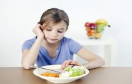 دلایل بی اشتهایی و کم غذا خوردن کودکان چیست؟