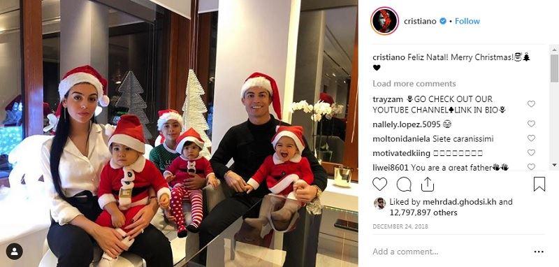 کریستیانو رونالدو به همراه خانواده در کریسمس