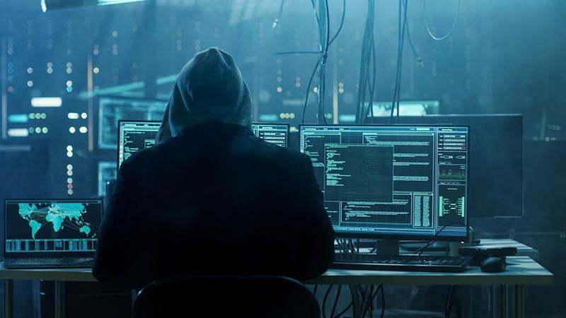استخدام هکر و هک کردن دیگران