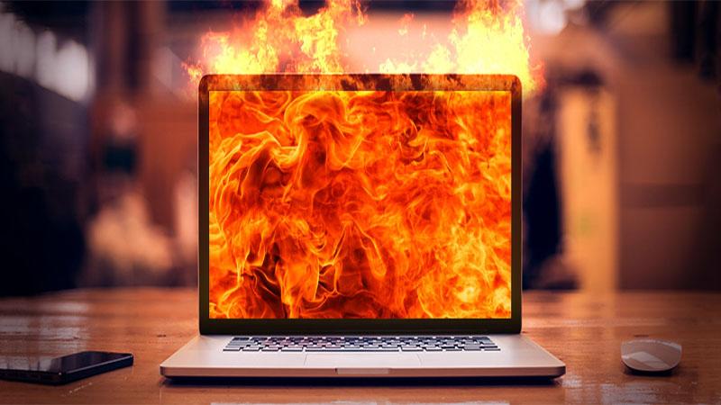 تشخیص داغ شدن بیش از حد لپ تاپ