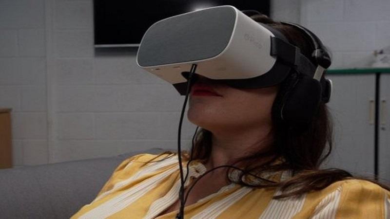 استفاده از واقعیت مجازی در کاهش درد زایمان